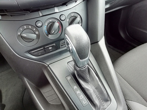 ford focus 2.0 ambiente at 2014