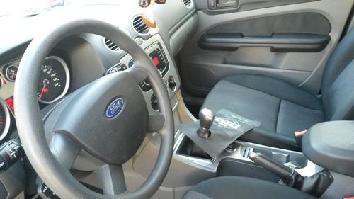 ford focus 2.0 exe sedan 4 puertas - 2009