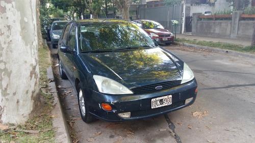 ford focus 2.0 ghia 2001 5 puertas