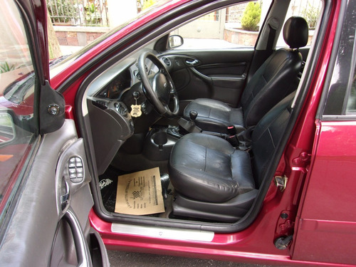 ford focus 2.0 ghia 4 puertas caja manual año 2003