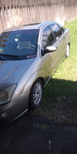 ford focus 2.0 ghia 5p 130 hp 2003