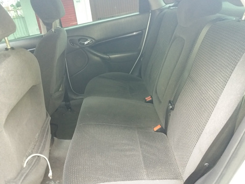 ford focus 2.0 ghia aut. 5p 140.3 hp 2005