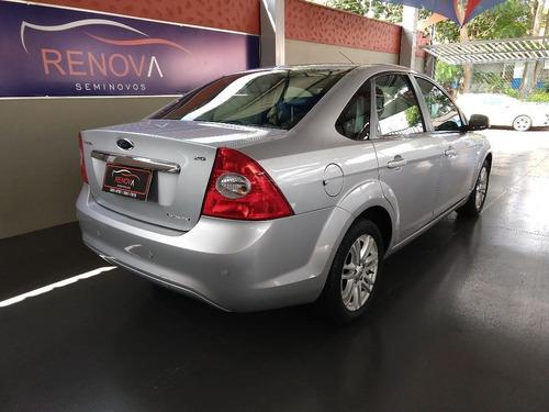 ford focus 2.0 ghia sedan 16v