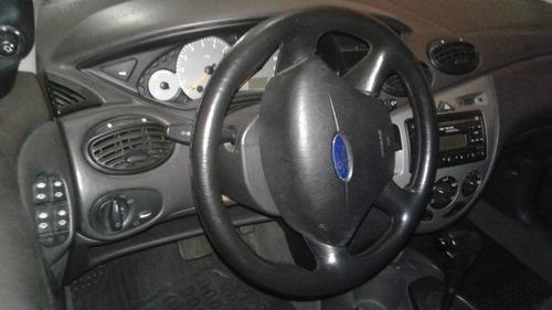 ford focus 2.0 glx 5p 2004