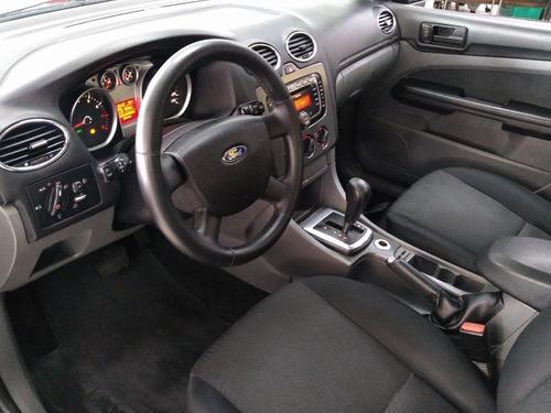ford focus 2.0 glx sedan 16v gasolina 4p automático