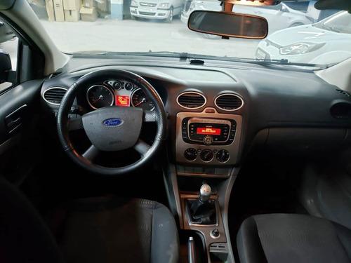 ford focus 2.0 hatch