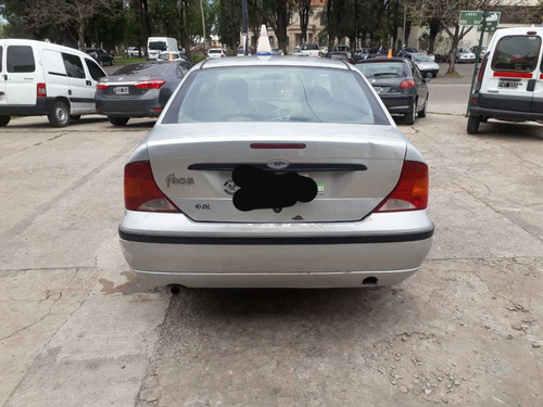 ford focus 2.0 impecable permuto  autocc