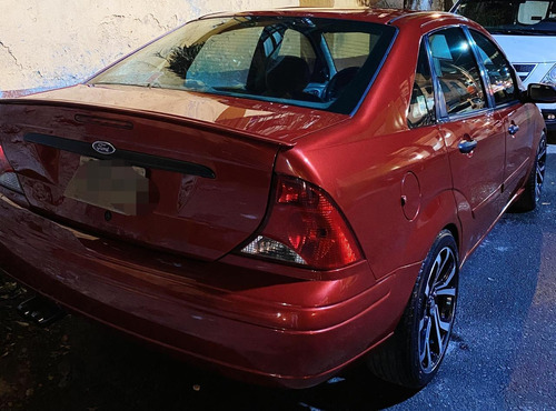 ford focus 2.0 lx at 2001