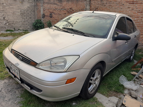 ford focus 2.0 lx mt 2001