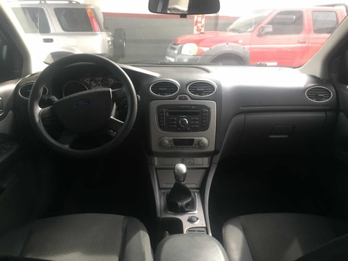 ford focus 2,0 one ambiente mp3 2010