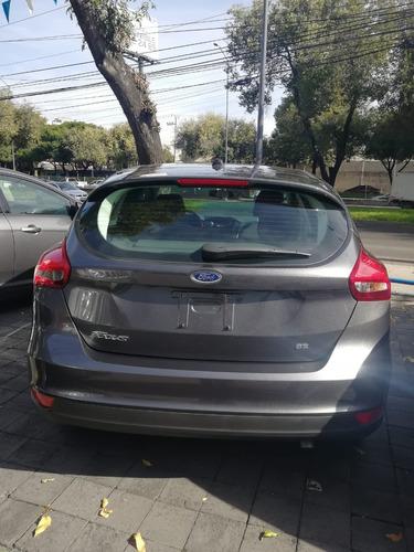 ford focus 2.0 se hatchback mt