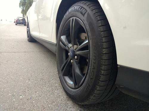 ford focus 2.0 se mt 2014 4p impecable