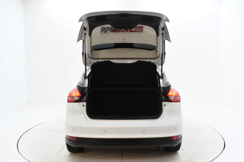 ford focus 2.0 se plus at 5 puertas 2016 rpm moviles