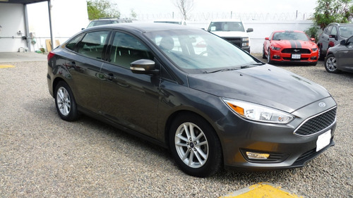 ford focus 2.0 se ta mt
