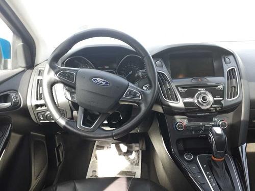ford focus 2.0 sedan at 2016