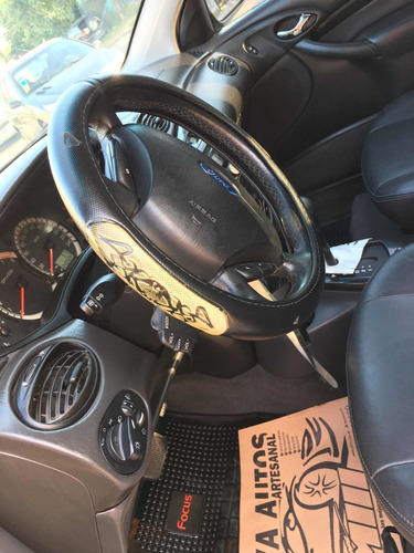 ford focus 2.0 sedan ghia at 2008