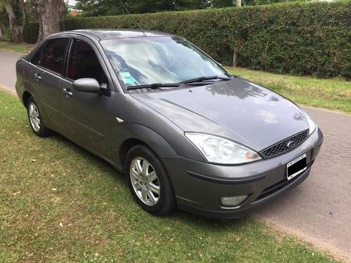 ford focus 2.0 sedan ghia at