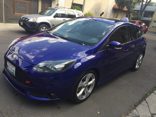 ford focus 2.0 st 5 dr hatch m/t