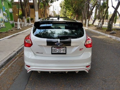 ford focus 2.0 st ecoboost at 2013