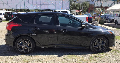 ford focus 2.0 st ecoboost at