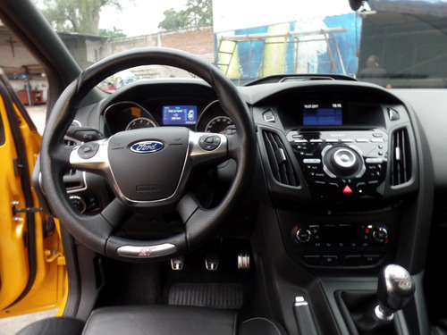 ford focus 2.0 st l4 t at