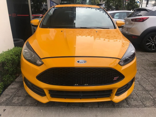 ford focus 2.0 st mt flamante tomo auto