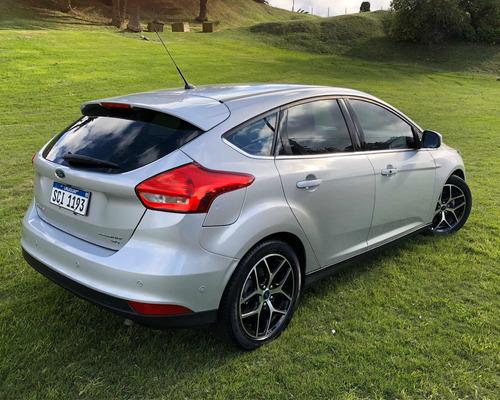 ford focus 2.0 titanium
