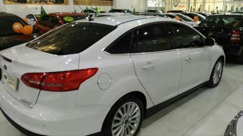 ford focus 2.0 titanium fastback 16v