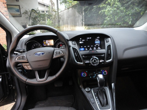 ford focus 2.0 titanium flex plus powershift 2018 hatch !!!!