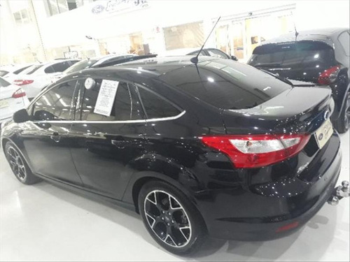 ford focus 2.0 titanium plus sedan 16v