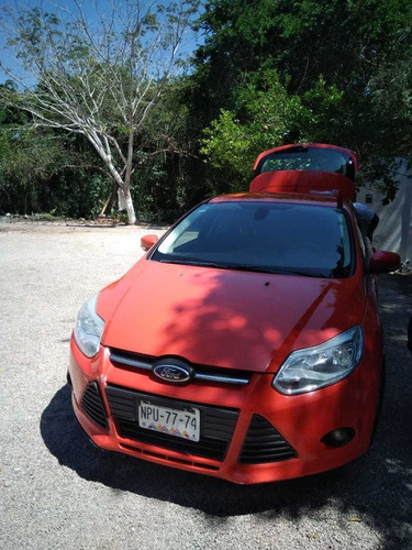 ford focus 2.0 trend hachback at 2014.