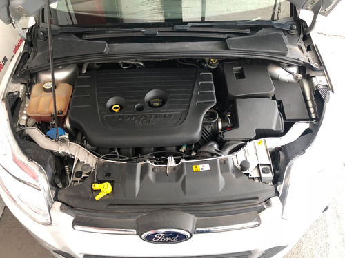 ford focus 2.0 trend hchback at 2014 único dueño, servicios