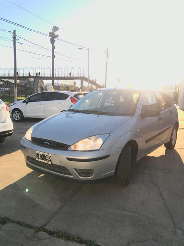 ford focus 2008  1.6 ambiente mp3 5 ptas