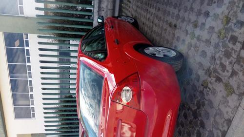 ford focus 2009 sedán ambiente 5 vel. estandar color rojo