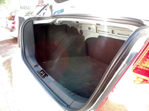 ford focus 2012 - 4 puertas