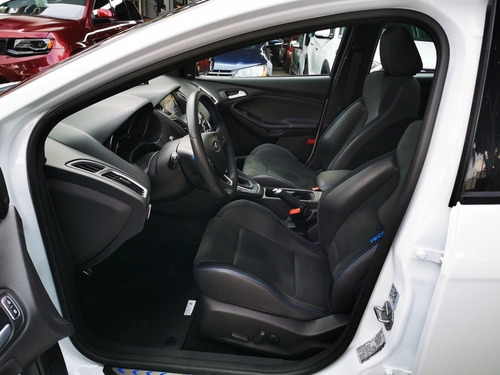 ford focus 2.3 rs mt 2017