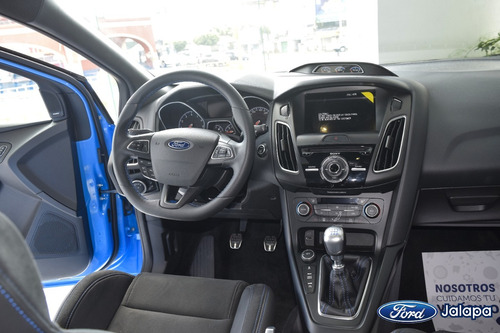 ford focus 2.3 rs mt