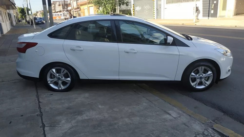 ford focus 3 4p at 2.0 nafta se plus impecable oportunidad!!