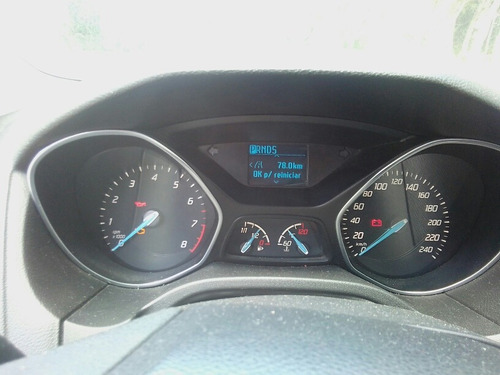 ford focus 4p trend l4 2.0 aut