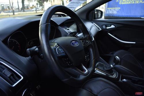 ford focus 5p st l4/2.0/t man