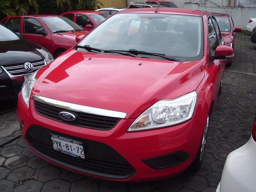 ford focus ambient estandar 2011 rojo