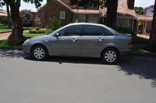 ford focus aut ghia