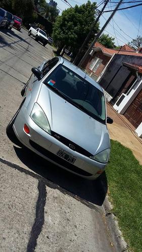 ford focus clx 2.0  4 puertas , gris plata equipo full