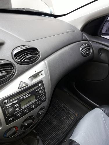 ford focus edge 4 puertas 1.6l