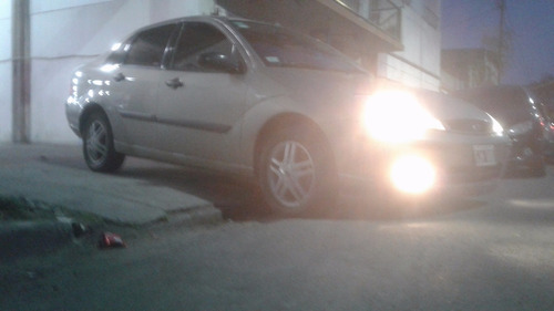 ford focus exe 1.6 4 puertas 2007 95266kms excelente