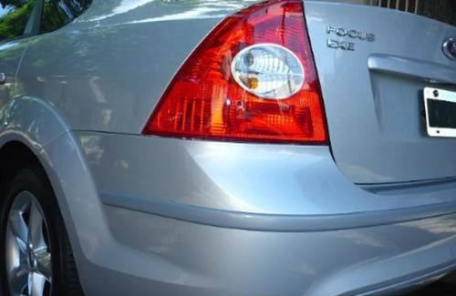 ford focus exe protectores de paragolpes grises o negros !!!