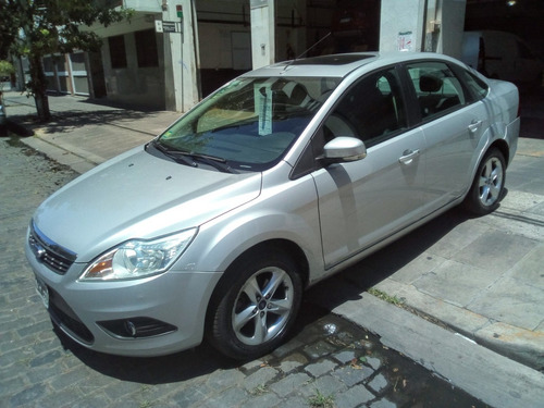 ford focus exe trend plus 2.0 impecable (cf)