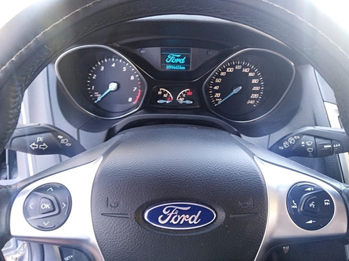 ford focus focus 5p  motor 2.0l