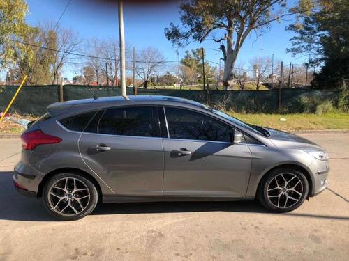 ford focus focus titanium at