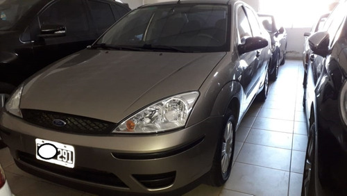 ford focus full 1.6 con solo 71000km unicoooo     ingrassia